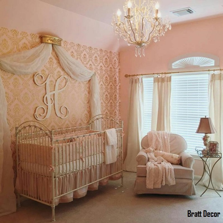Venetian II Crib in Distressed White