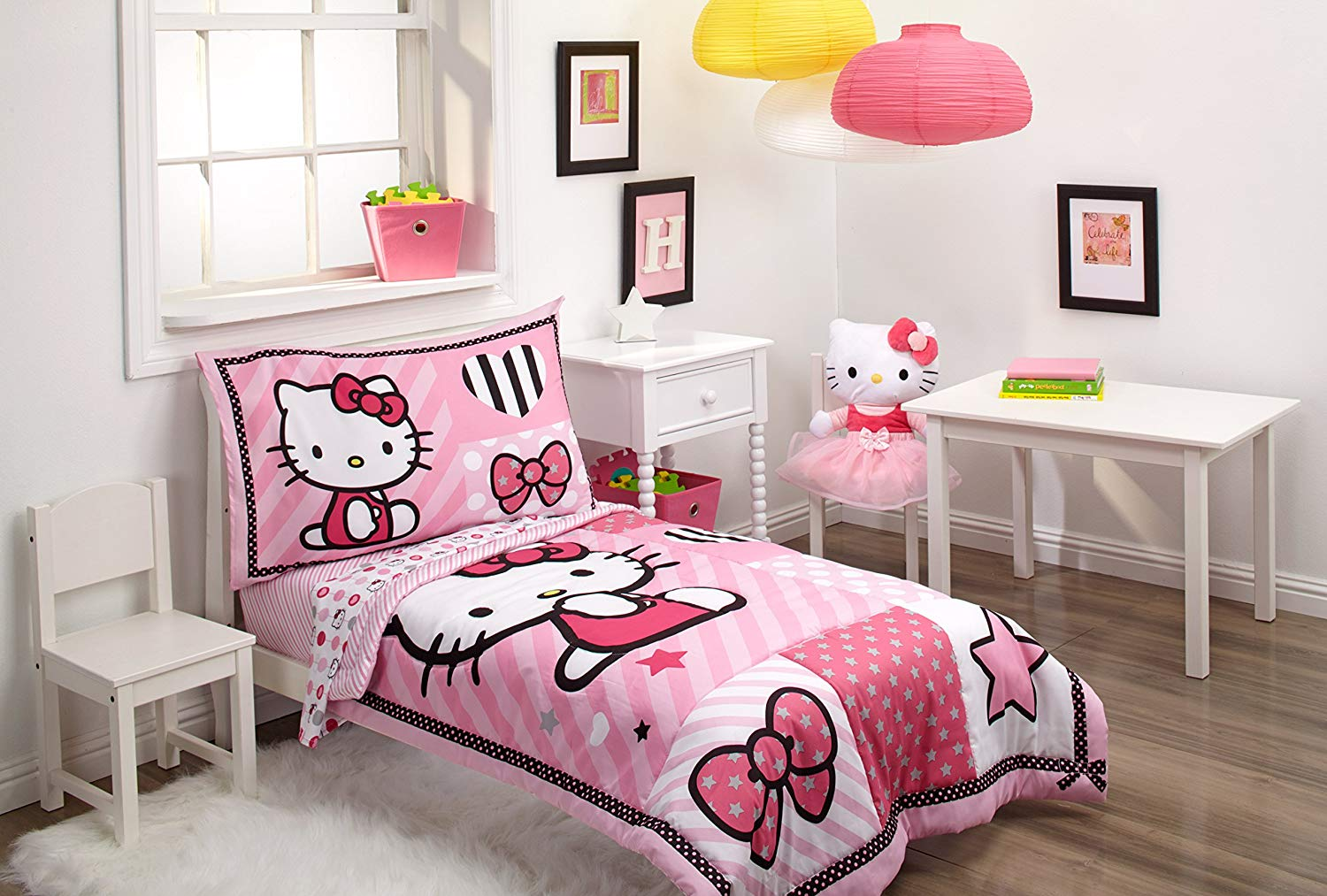 Sanrio Hello Kitty Sweetheart 4 Piece Toddler Set