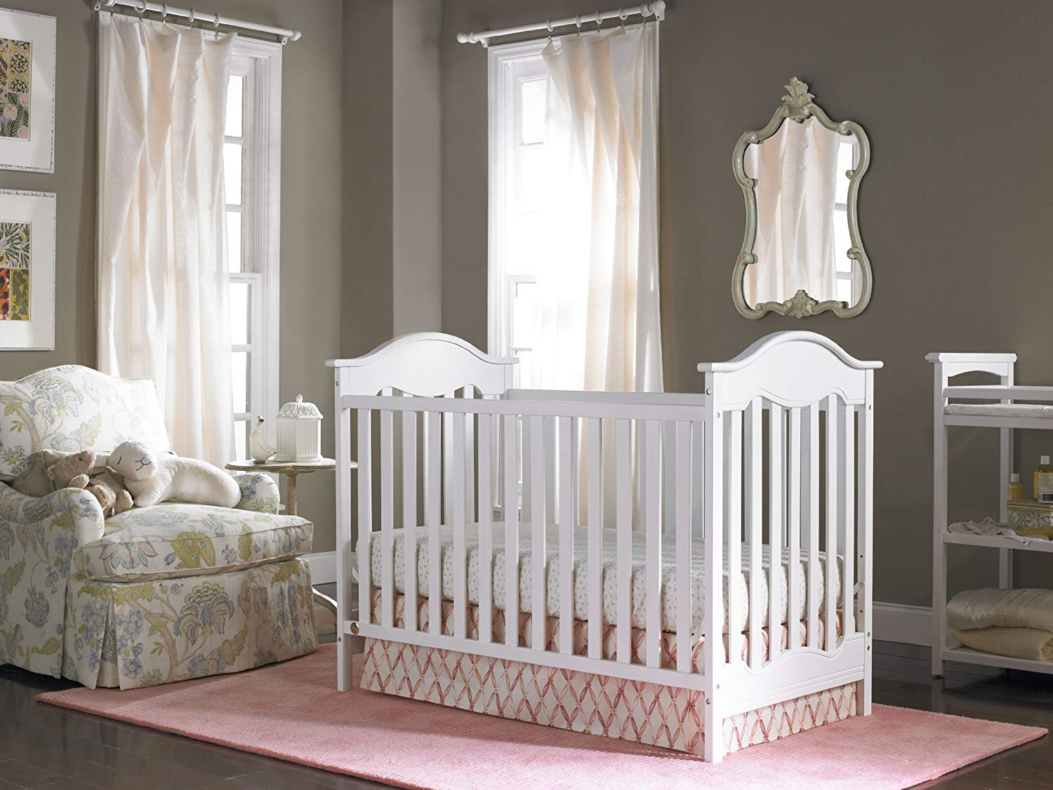 Fisher-Price Charlotte Traditional Crib