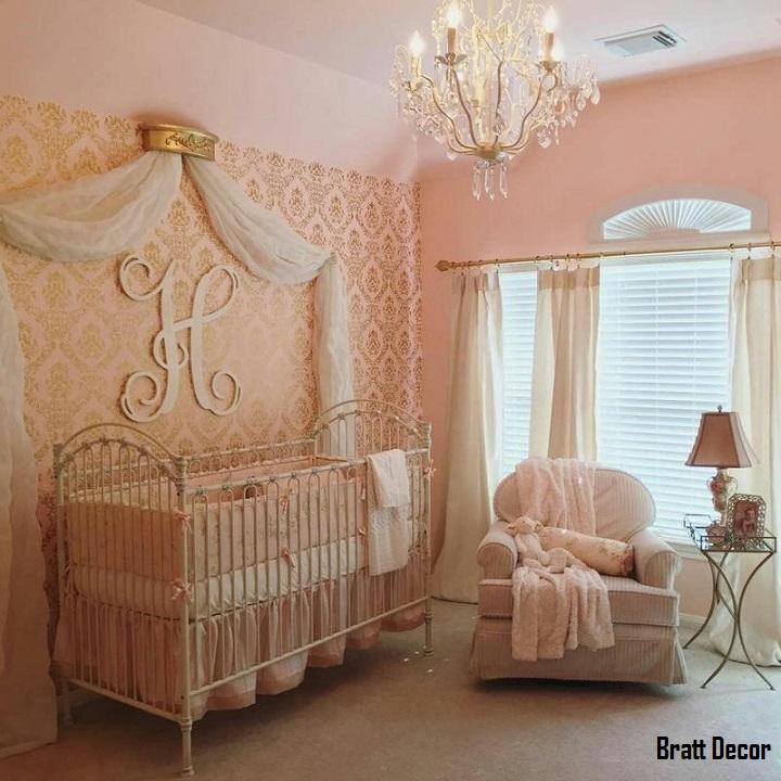 Venetian II Crib in Distressed White